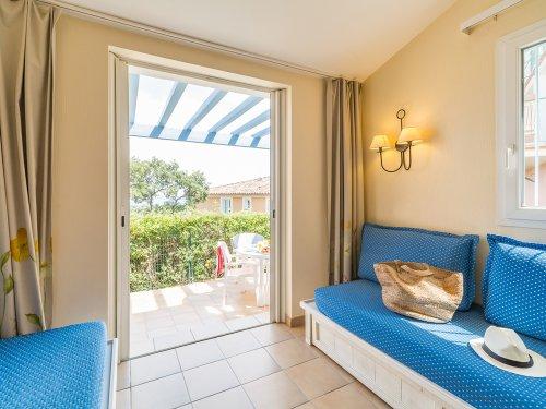Location de vacances Standard Résidence Les Restanques du Golfe de St-Tropez