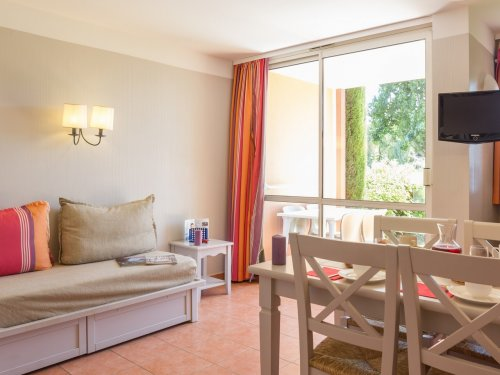 Self Catering Standard residence Les Rives de Cannes Mandelieu