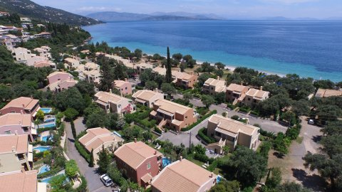 Residenz La Riviera Barbati Seaside Luxurious Apartments